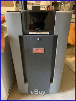 Raypak Pool Heater 009216 Digital 200K BTU, Natural Gas, P-R206A-EN-C